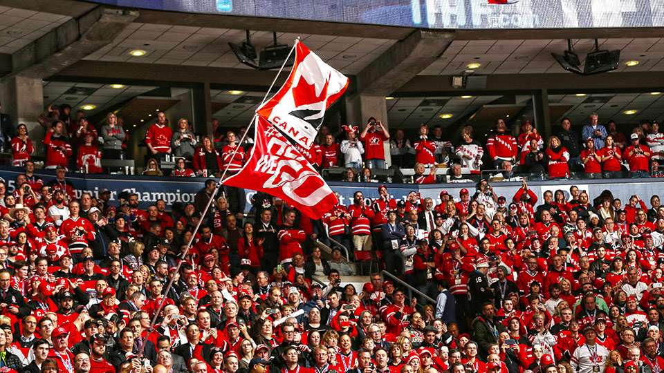 2015_wjc_can_herewego_crowd